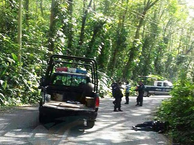 asesinan a cuatro policías en Ixtapangajoya