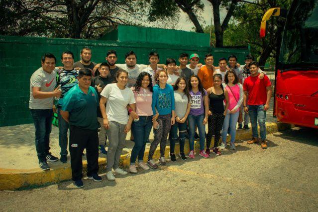 Luchadores asisten al Campeonato Nacional 2018 (3)