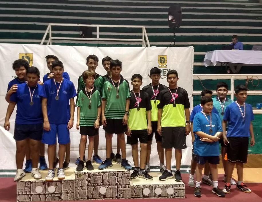 Medalla de broncen por equipo sub15 conformado por Iván Paniagua Diego Uribe y Pedro Sánchez