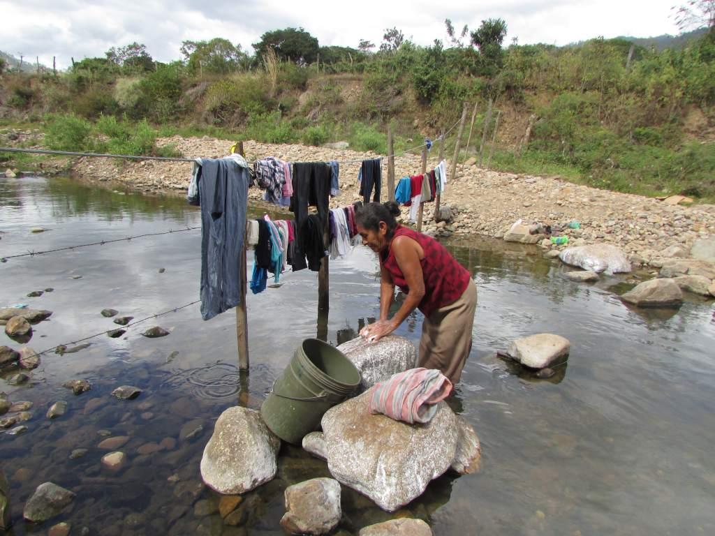 Sin agua potable, unas 150 familias