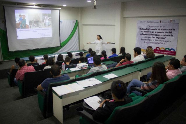 Imparten charla para prevenir el embarazo en adolescentes (3)
