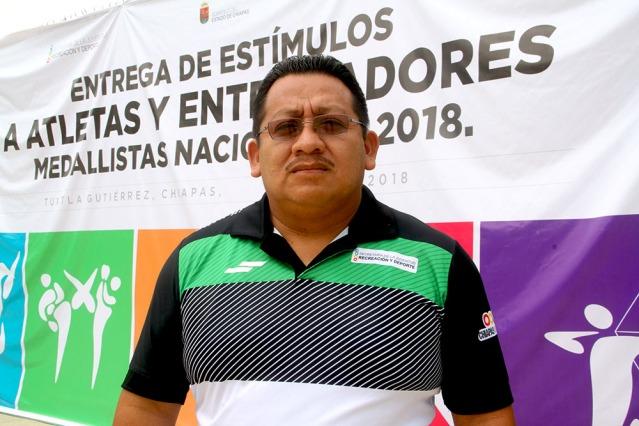 Ricardo Aguilar entrenador de nata